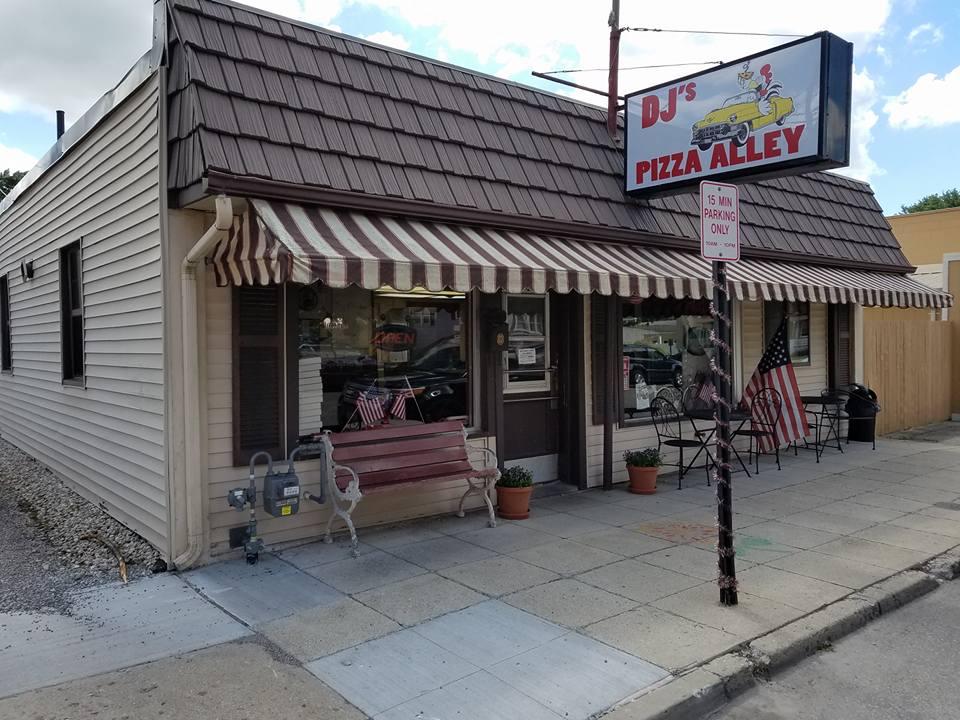 DJ's Pizza Alley